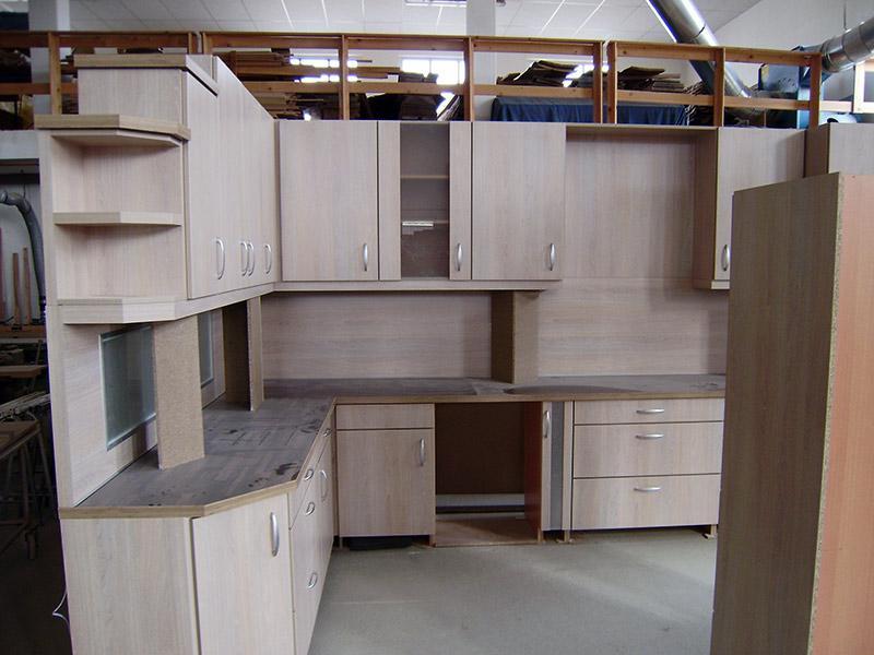 blick in die fertigung walter k chen und t ren. Black Bedroom Furniture Sets. Home Design Ideas